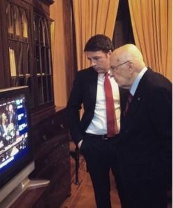 Renzi e Napolitano in attesa dell'elezione di Mattarella (foto Instagram di @nomfup)