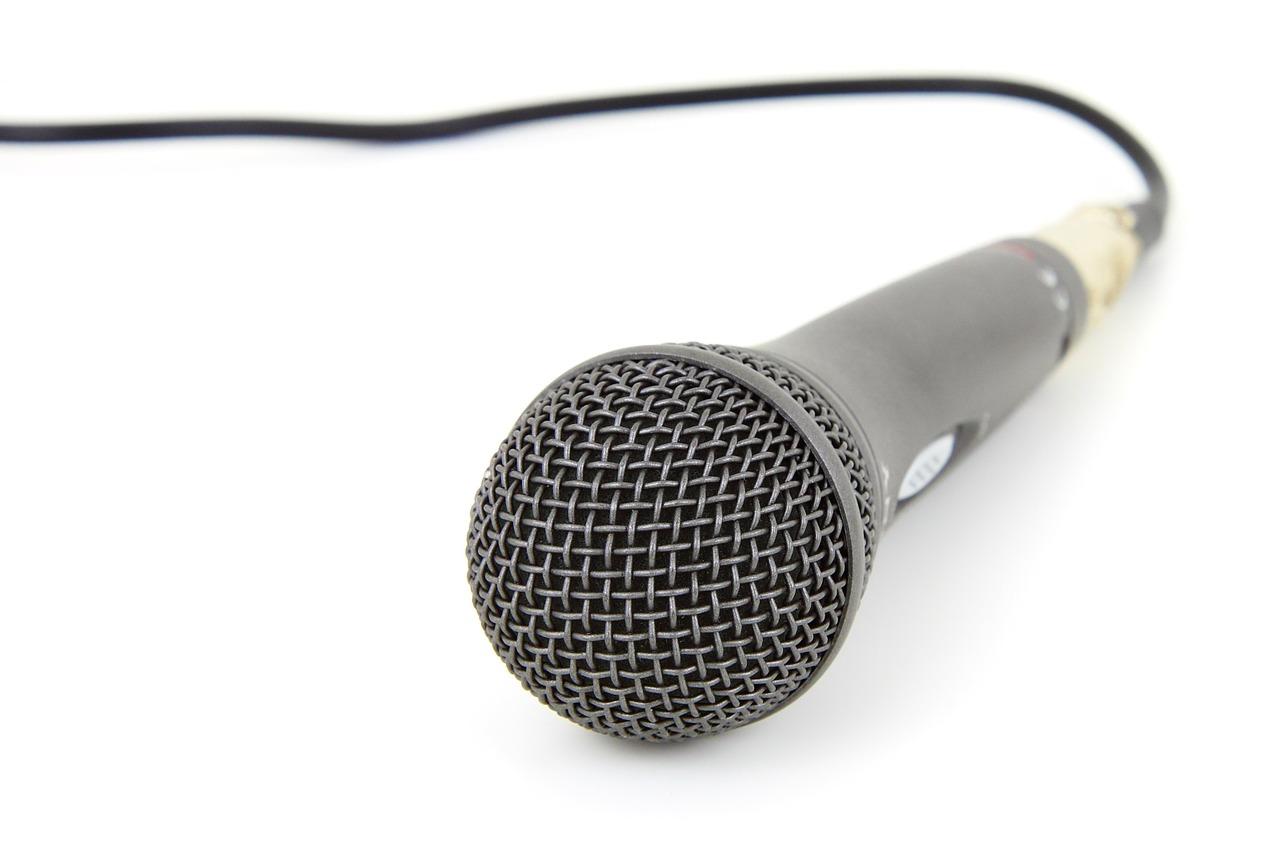 Gli studenti di giornalismo alla prova del dibattito radiofonico